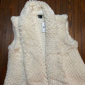 The SOFTEST love token vest NWT!